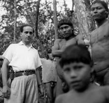255. Arquimedes Pereira Lima entre os indios xavantes