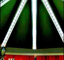 Banho de raios de cristal no Templo da Boa Vontade, OrlandoBrito